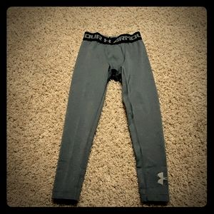 Under armour fitted pants boys Youth xs